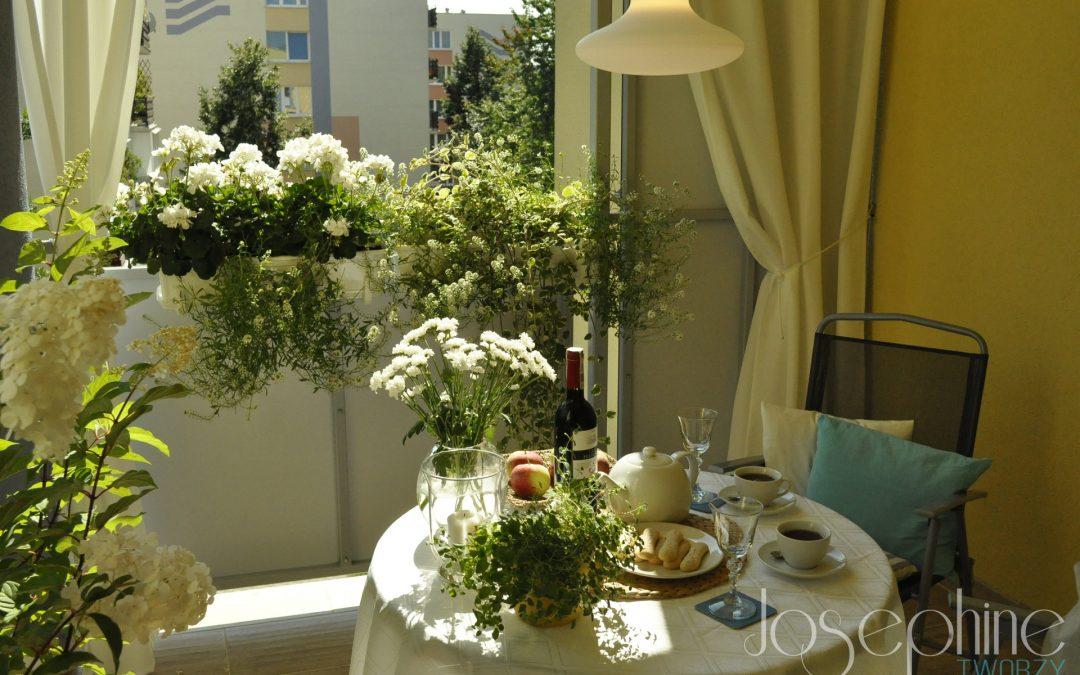 Pomysł na przytulny balkon w bloku – aranżacja balkonu część 1.